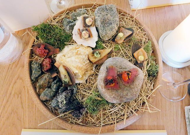 Small bites at Kadeau Restaurant, Copenhagen // FoodNouveau.com