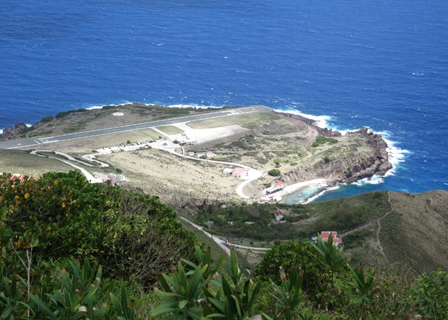 Saba's airport peninsula and its short runway // FoodNouveau.com