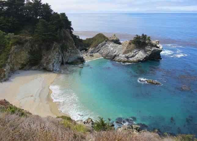 One of Big Sur's most famous views: the 80-foot McWay Falls // FoodNouveau.com