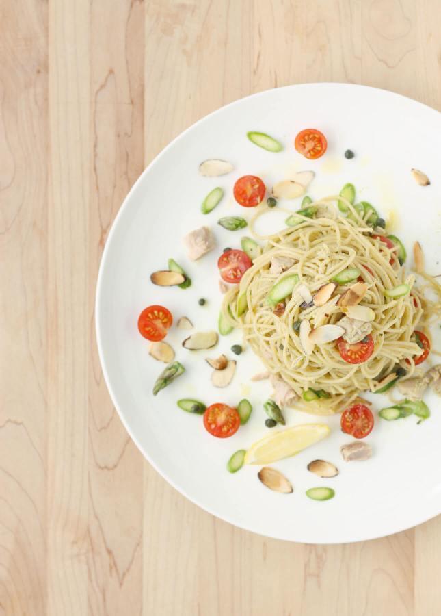 Quick Fresh Asparagus and Tuna Pasta // FoodNouveau.com