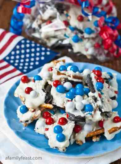 Oreo Pretzel Chocolate bark. This is a perfect 4th of July Recipe Treat!