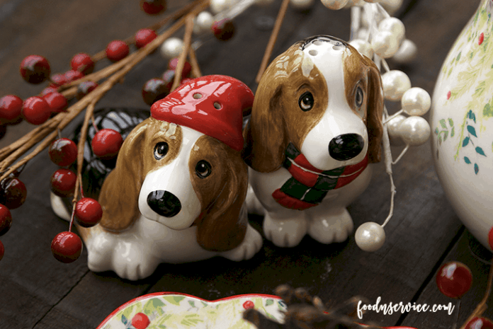 pioneer-woman-holiday-dog-shakers