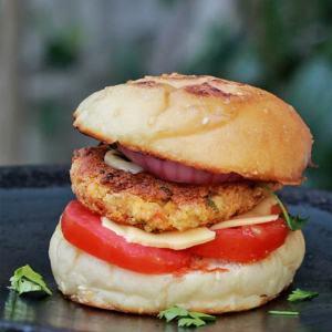 Chatpata Paneer Burger