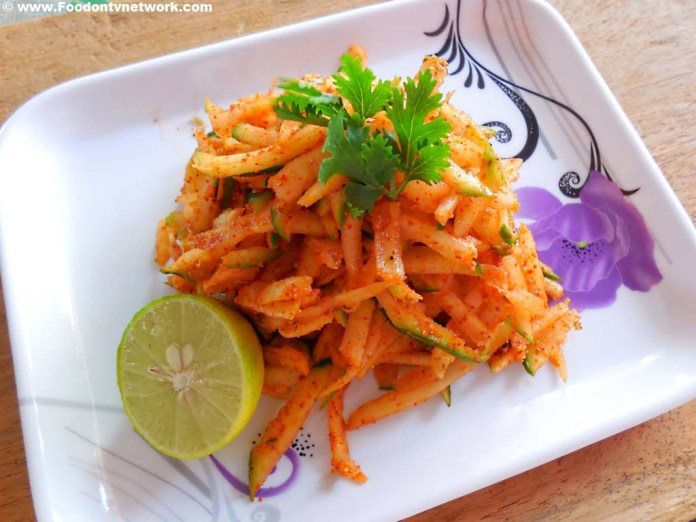 How to Make Raw Papaya Salad Recipe, Best Indian Salad Recipe, Quick Indian Salad Recipe, Quick Papaya Salad Recipe.