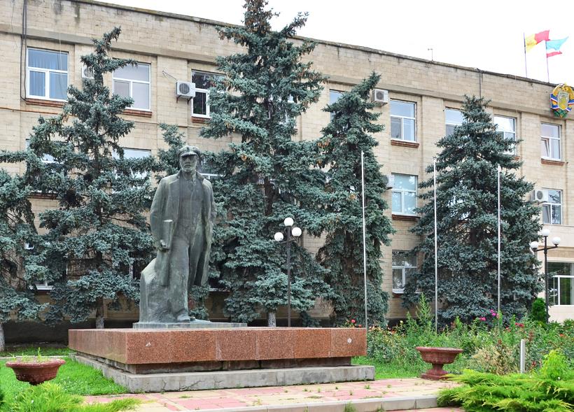 Gagauzia - Comrat - Lenin Statue