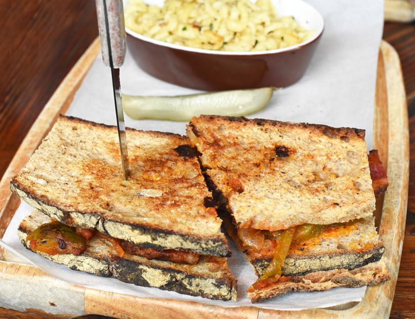 Doma Na Rohu - Brisket Sandwich