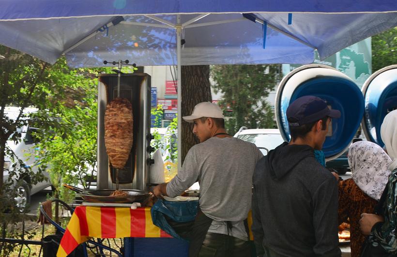 Dushanbe - Lokhuti Street - Doner Kebab