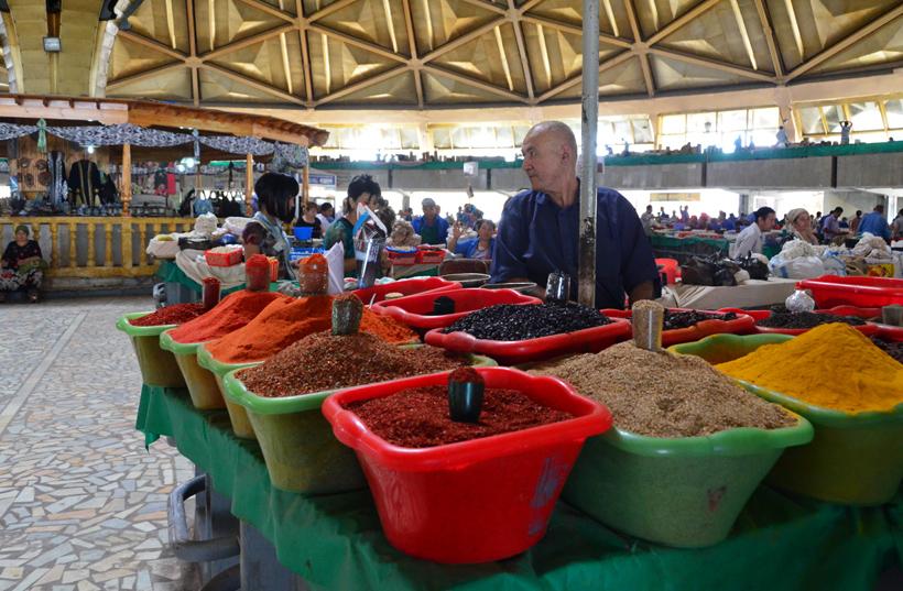 Tashkent - Chorsu Bazaar - Spices