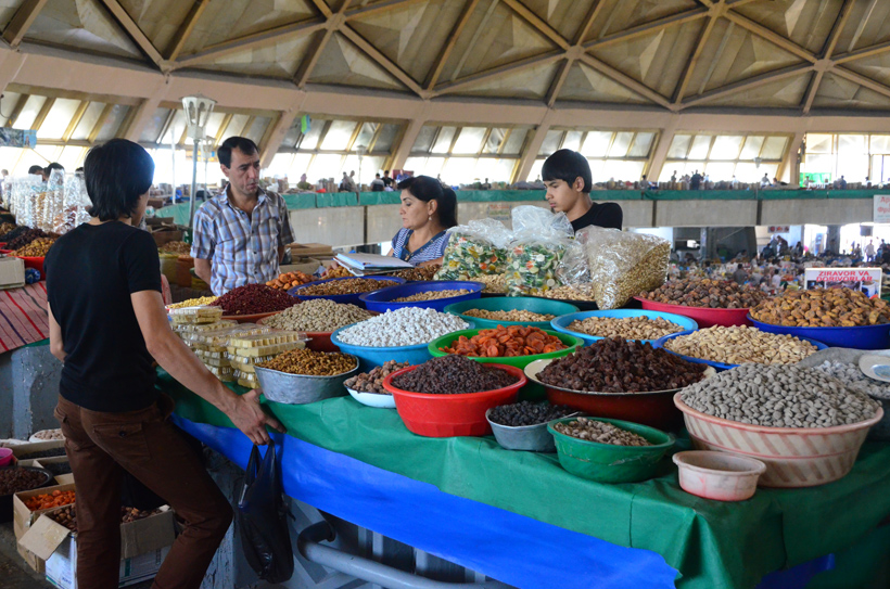 Tashkent - Chorsu Bazaar - Dried Fruits and Nuts