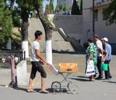 Tashkent - Bread Street Vendor