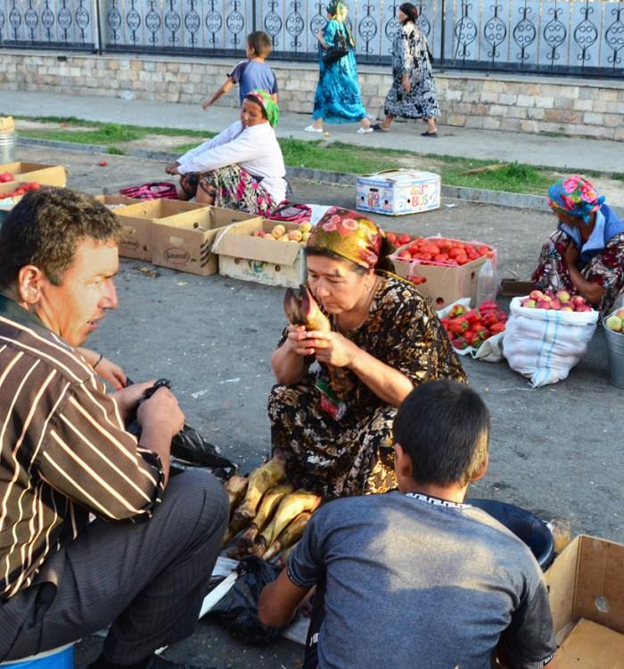 Samarkand - Siyob Bazaar - Cow's Feet