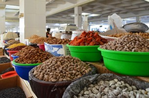 Samarkand - Siyob Bazaar - Dried Fruits and Nuts