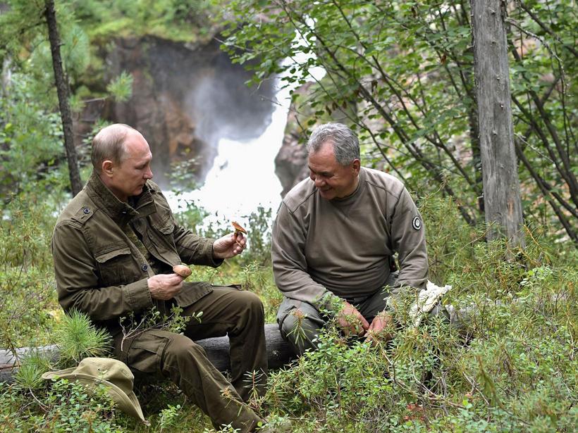 Vladimir Putin and Sergey Shoygu