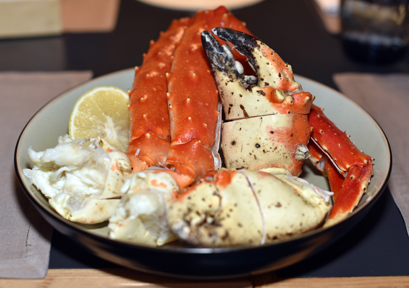 Moscow - Wine & Crab Restaurant - King Crab Legs and Claws