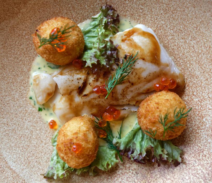 Arkhangelsk - Pochtovaya Kontora Restaurant - Sous-Vide Cod with Bearnaise Sauce and Smoked Potato Croquettes