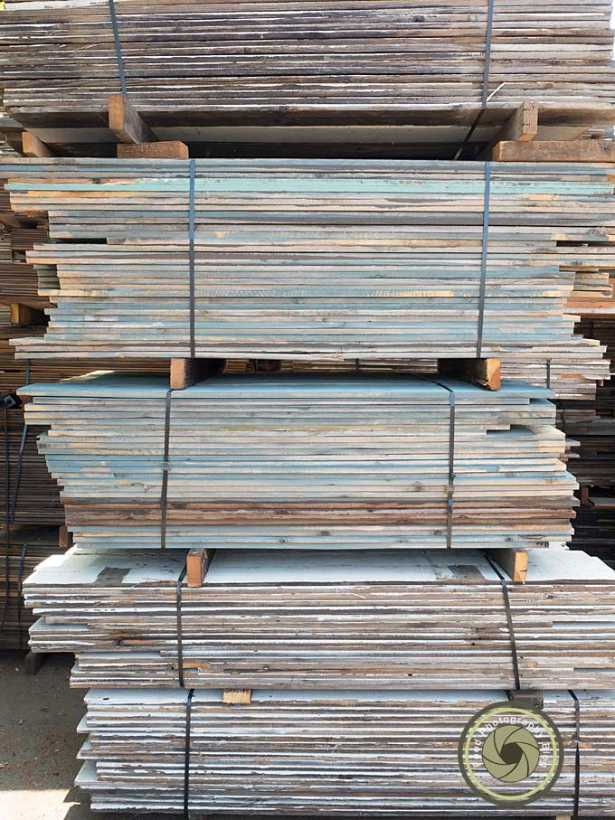 How to find beautiful wood backgrounds for food photos for Buy reclaimed wood los angeles