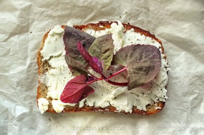 goat cheese spinach toast