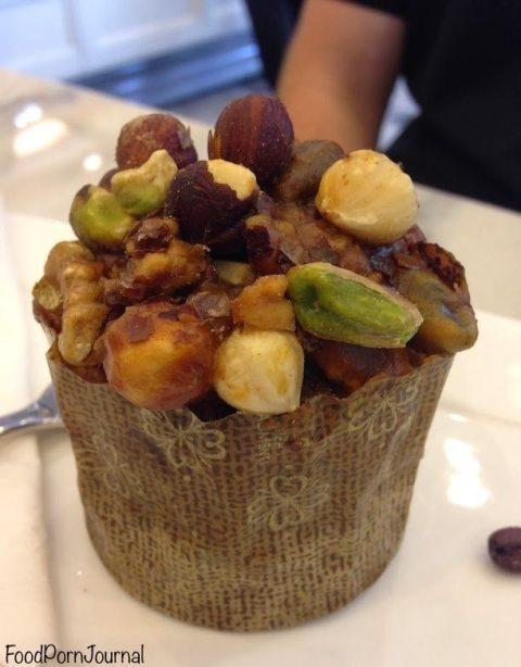 Dolce Salato nut muffin