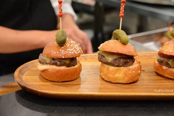 Hoi Polloi cheeseburgers