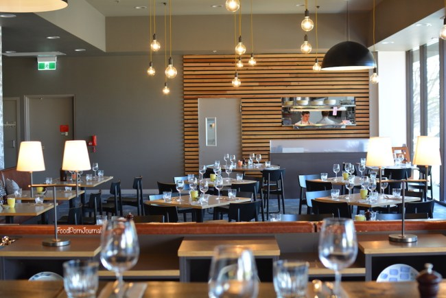 number-10-restaurant-woden-inside