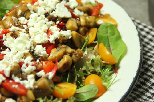 Salade met gebakken champignons en feta -foodblogswap