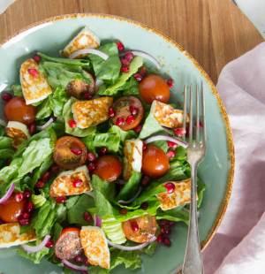 salade met halloumi en granaatappelpitten