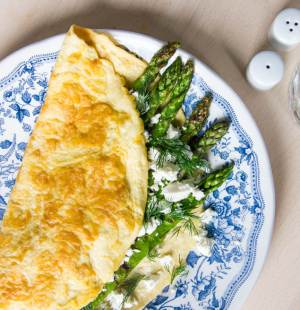 Omelet groene asperges en feta