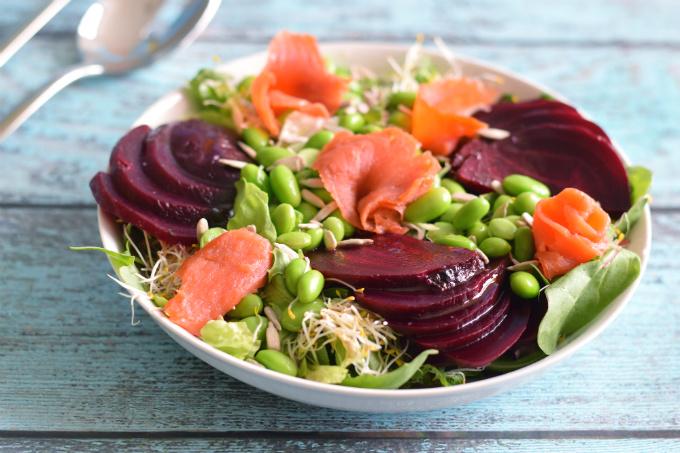 salade bietjes en zalm