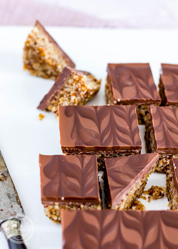 Dadel-noten bites met chocolade