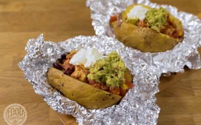 Mexicaans gevulde aardappel