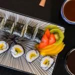Zoete sushi met fruit