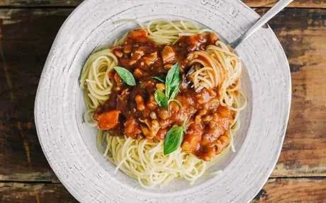 Creamy chilli bacon and tomato spaghetti food recipes