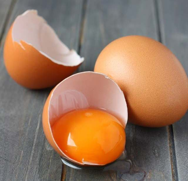 Four Reasons why you need to start drinking raw egg yolks 1