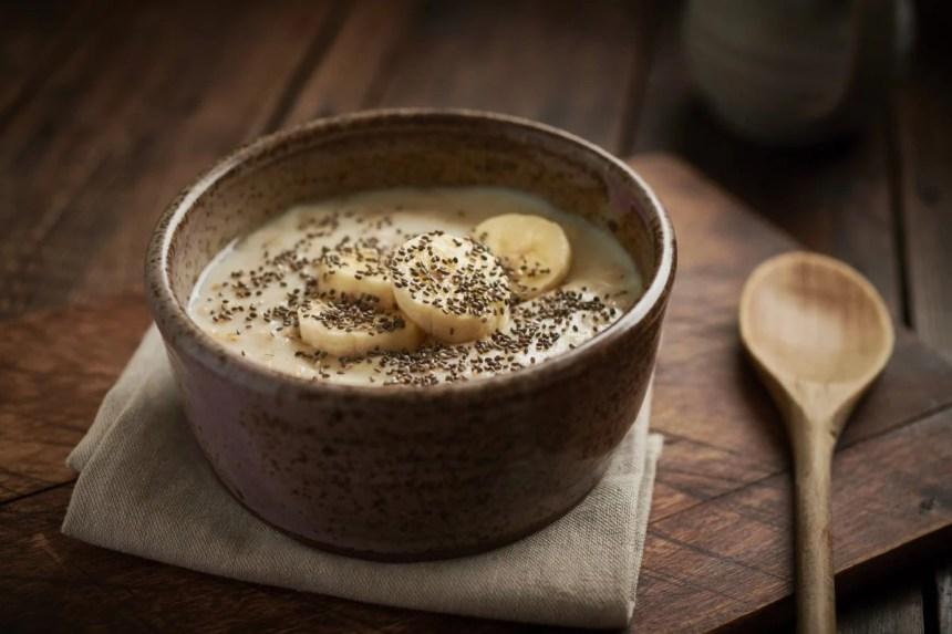 Chia seeds and bananas on oatmeal