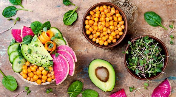 https://i1.wp.com/foodrevolution.org/wp-content/uploads/blog-featured-veganism1-20180117-1430.jpg?resize=590%2C326&ssl=1