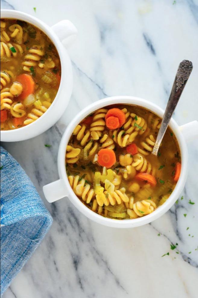 碗鷹嘴豆麵條湯