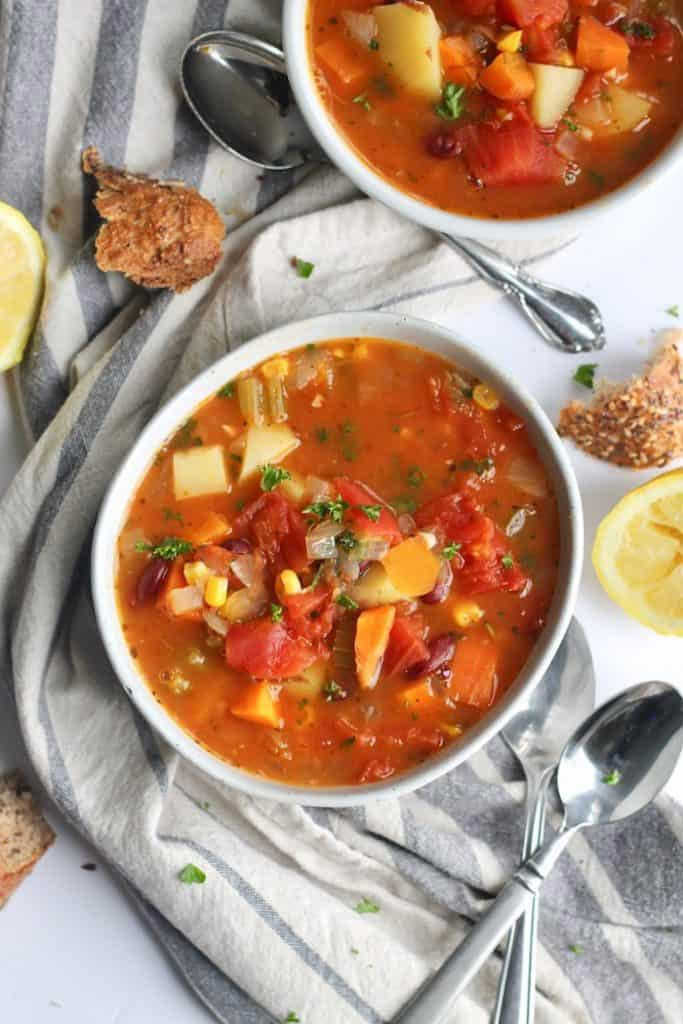 碗裡的蔬菜湯