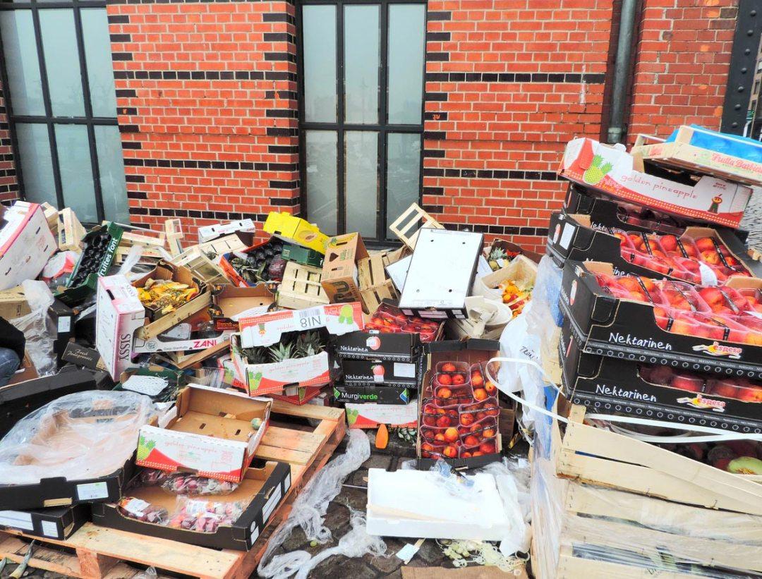 擁擠的垃圾食品浪費