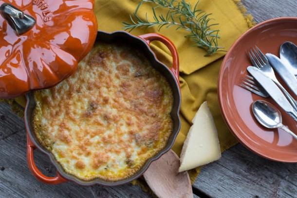 Quinoa-Kürbis-Kräuter Auflauf mit Käse