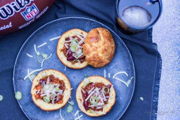 Super Bowl Snack - Super Bowls  Leckere gefüllte Maisbrot-Muffins