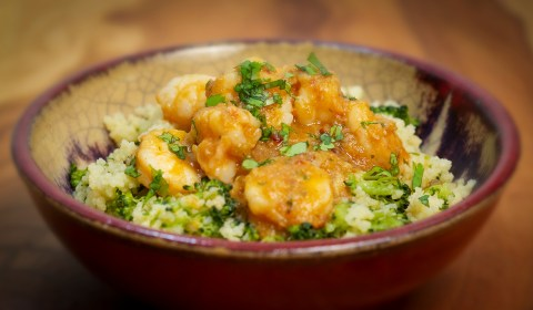 How to make a spicy sweet Caribbean shrimp with couscous flavored with orange and stock made from the shrimp shells.