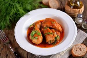 Курица в томатном соусе на сковороде, рецепт с фото - Едим ...