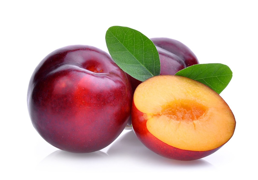 plum health benefits and side effetcs