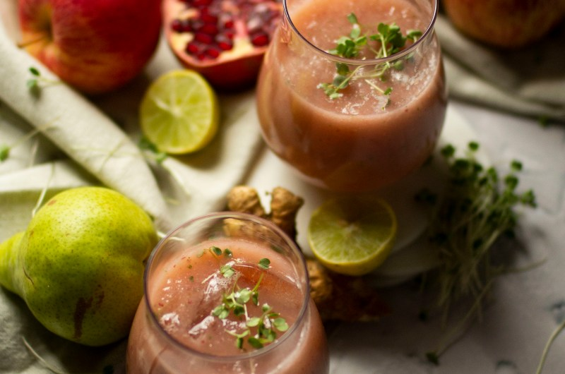 Apple And Pear Microgreen Smoothie
