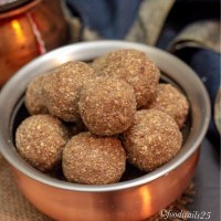 Wheat,Ragi and Edible Gum Ladoos
