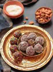 Chocolate-Almond-Coconut-Ladoos
