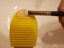 foodtravelandmakeup-brush-egg-demo-eyeshadow-brush-step-3