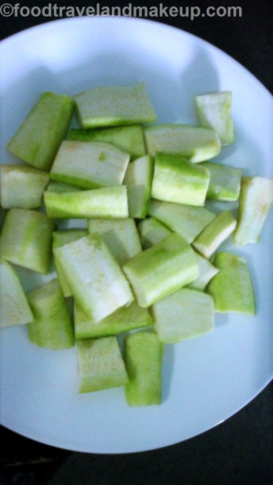 foodtravelandmakeup-com-gilki-ki-sabzi-sponge-groud