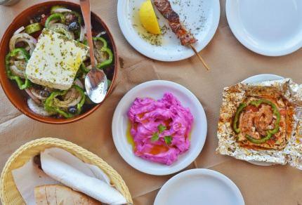 De lekkerste vegetarische gerechten uit de Griekse keuken (+ recepten)