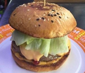 Бургер от фудтрака Burger Bus.